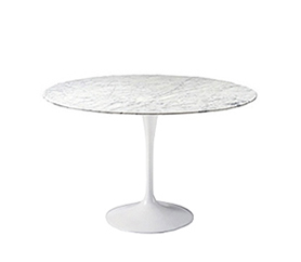 Tulip table by Eero Saarinen