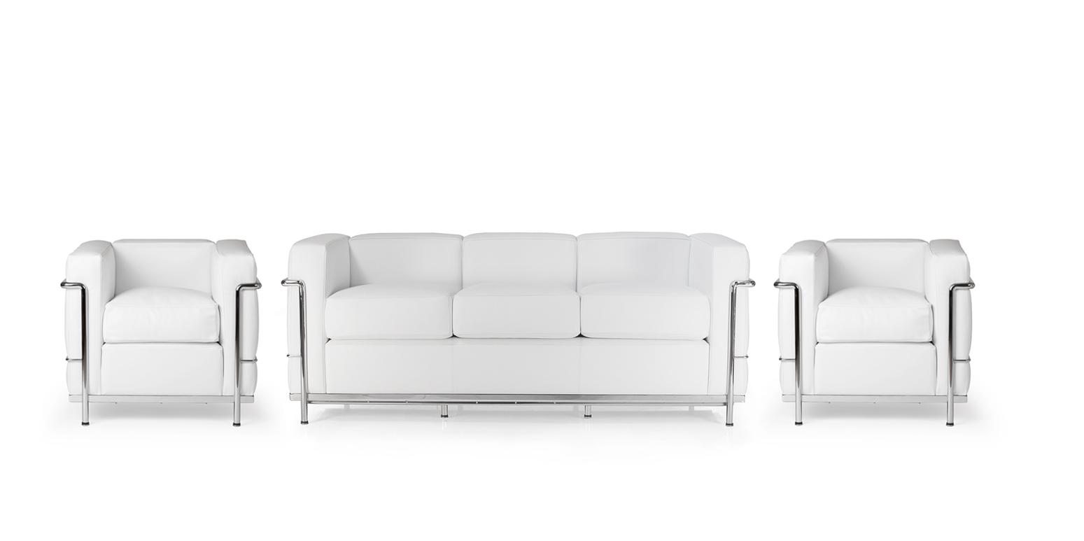 Zwei lc2 sessel von le corbusier lc2 dreisitzer for Corbusier nachbau