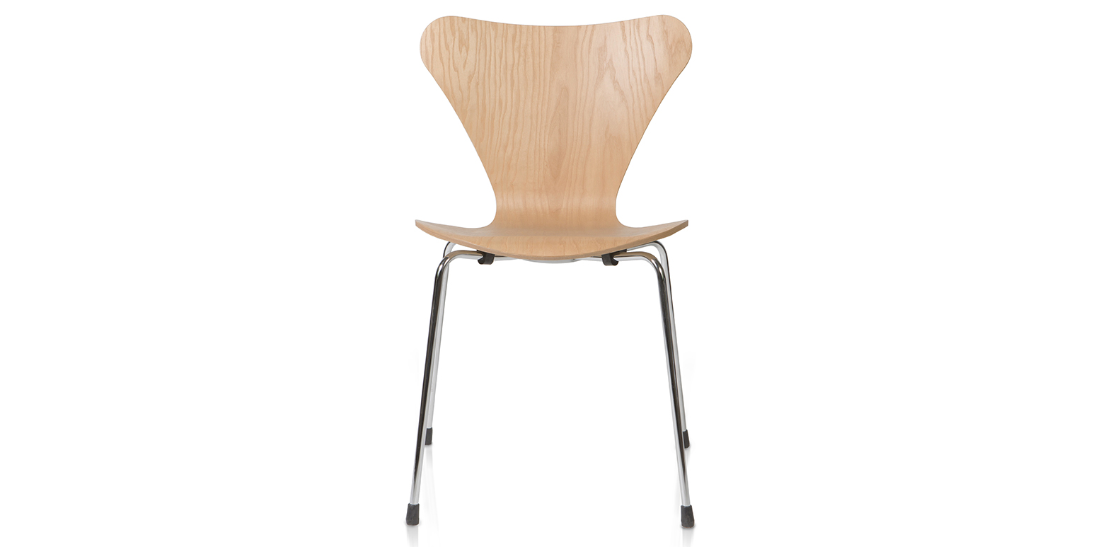 Stoel 3107 van arne jacobsen for Arne jacobsen chaise