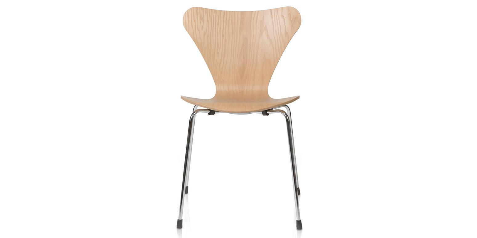 Stoel 3107 van Arne Jacobsen